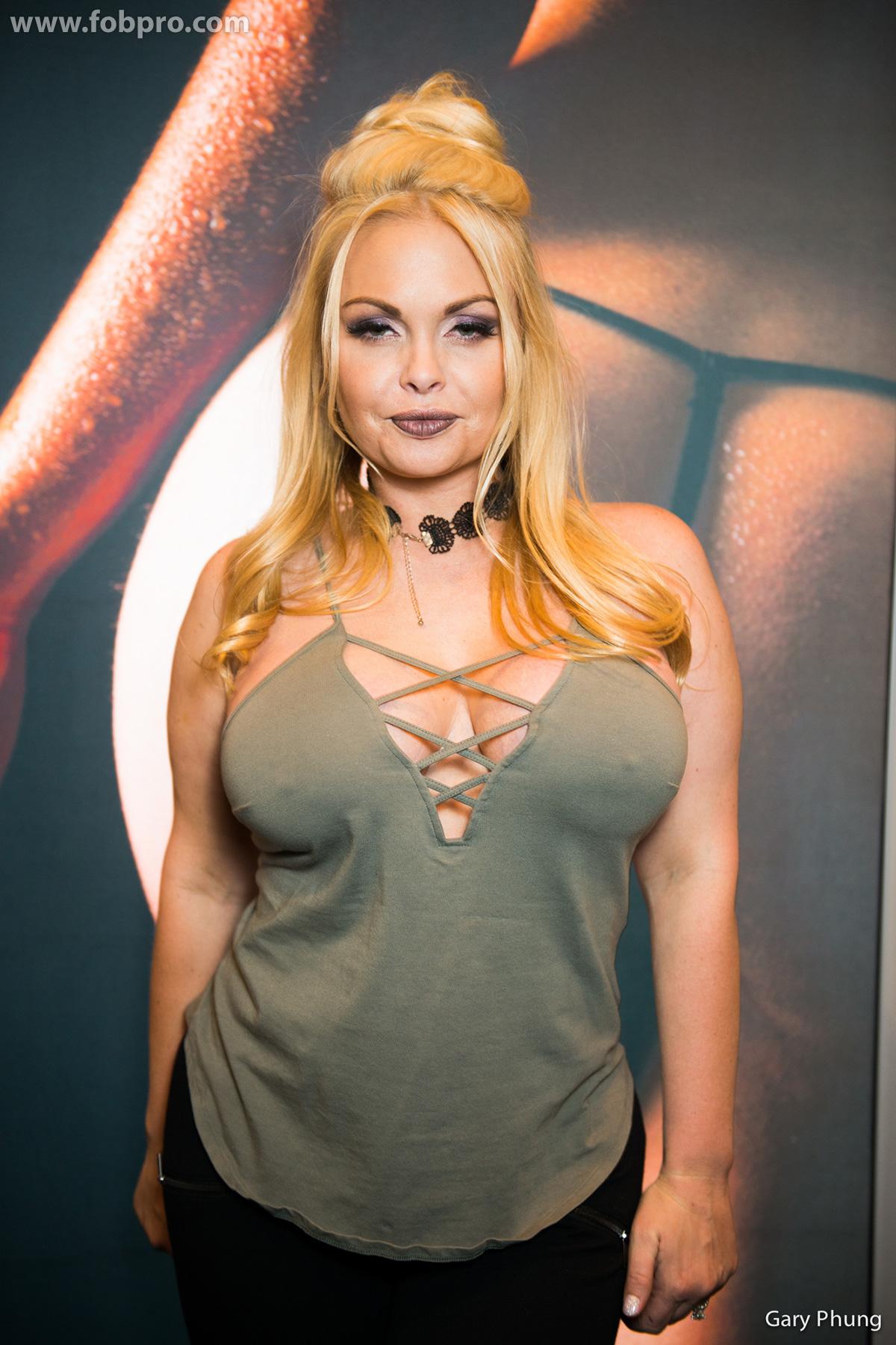 Stormy Daniels - AVN Awards 2018 in Las Vegas • CelebMafia