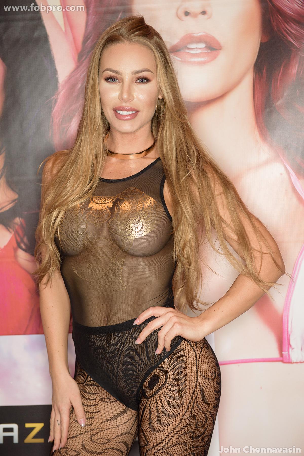 Nicole Aniston - AVN Adult Entertainment Expo 2017 Day 3 ...